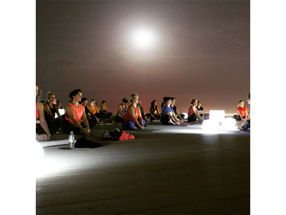 Full Moon Helipad Yoga , biletino, Evo Fit